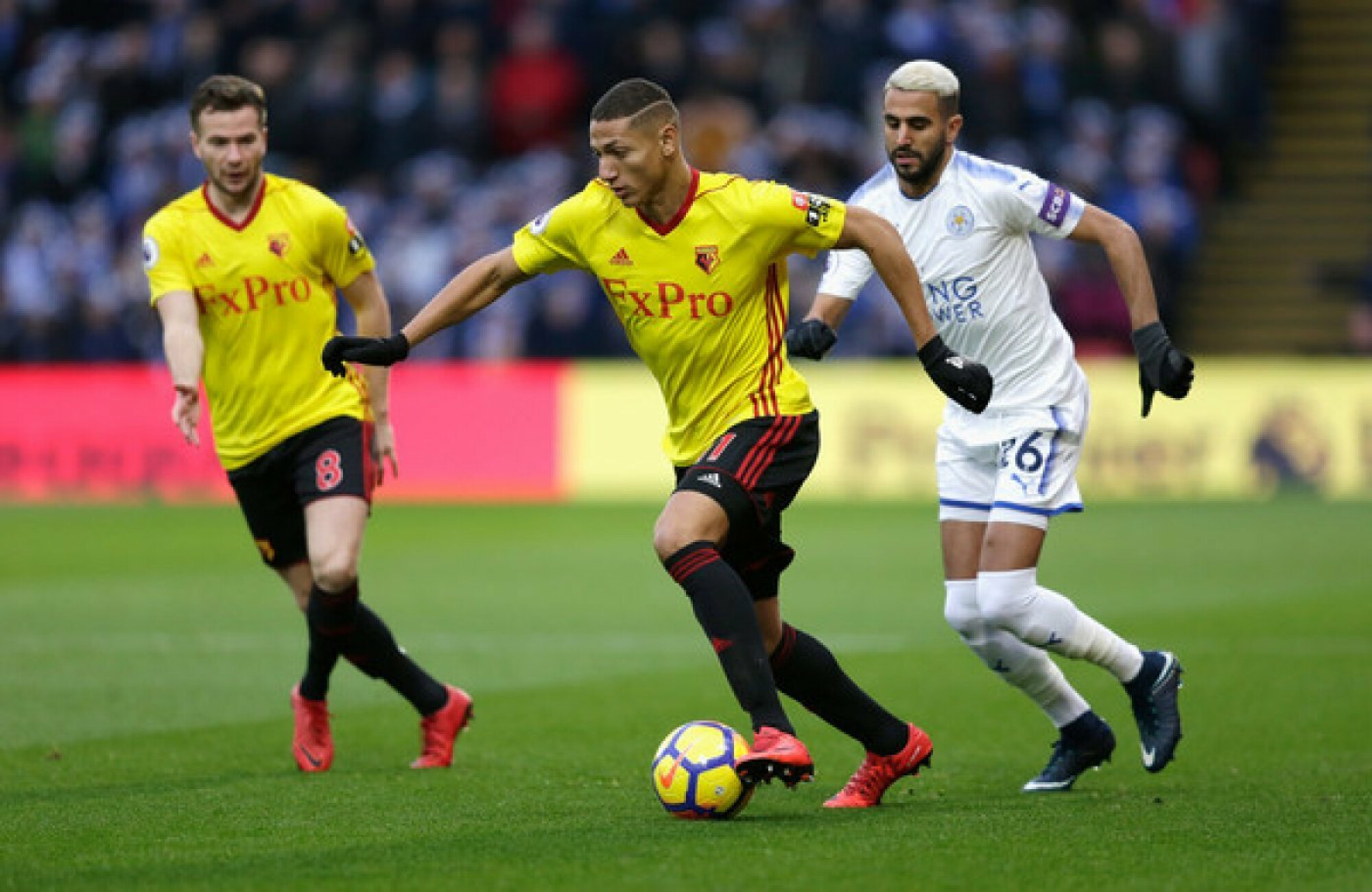 Should Chelsea sign Richarlison or Mahrez?