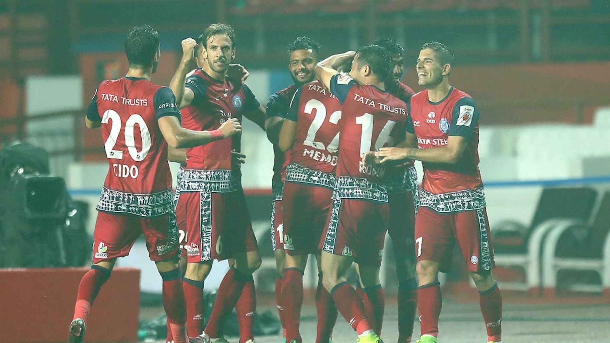 ISL 2018-19: Jamshedpur back in contention for playoff spot with win over Mumbai.