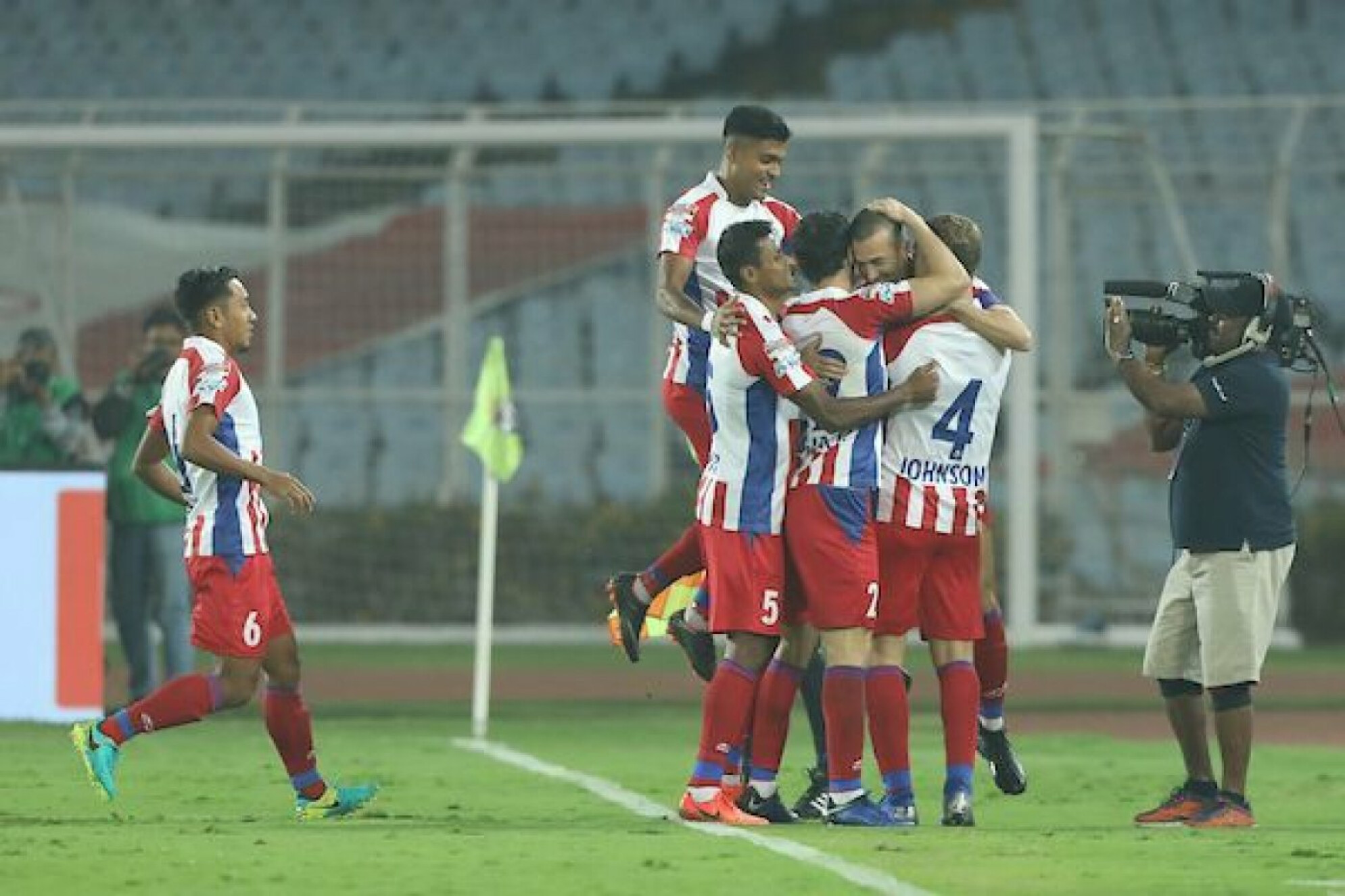 ISL 2018-19: Hosts ATK earn crucial points against Jamshedpur